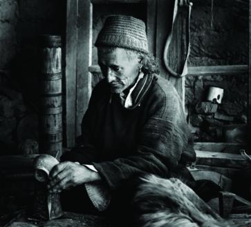 Himalayan PortfoliosHimalayan Portfolios | Alt 1