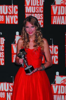 Taylor SwiftTaylor Swift | Alt 1