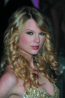 Taylor SwiftTaylor Swift | Alt 3